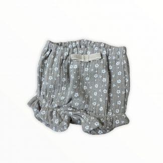 https://peekaboe.be/product/handgemaakte-bloomer-voor-zomerse-dagen-ideaal-voor-onder-kleedjes-of-gewoon-met-body/